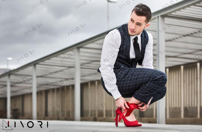 چرا مردان از پوشیدن کفش پاشنه بلند خودداری کردند ؟